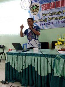 Antusias bapak ibu guru SMAN 1 Geger mengikuti workshop